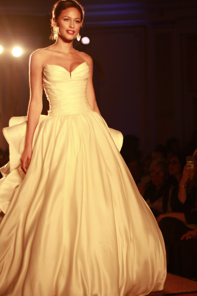 Pnina Tornai: Ivory sweetheart silk ball gown floral details on the back
